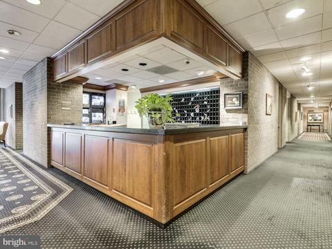 Additional photo for property listing at 1800 Old Meadow Rd #108 1800 Old Meadow Rd #108 McLean, Virginia 22102 United States