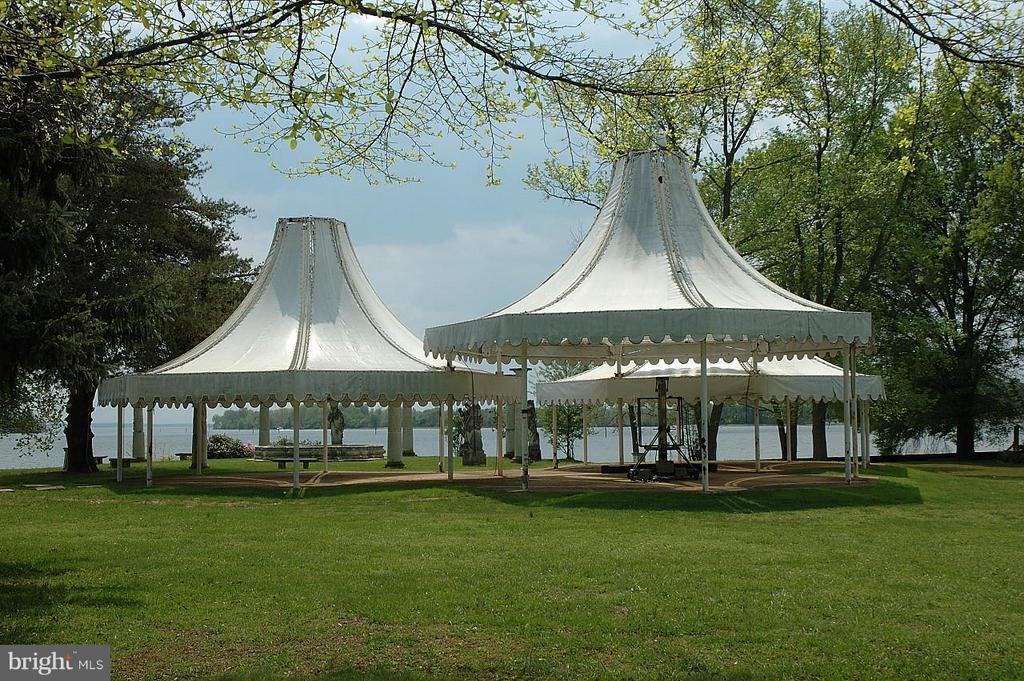 Canopy Garden - 10606 BELMONT BLVD, LORTON