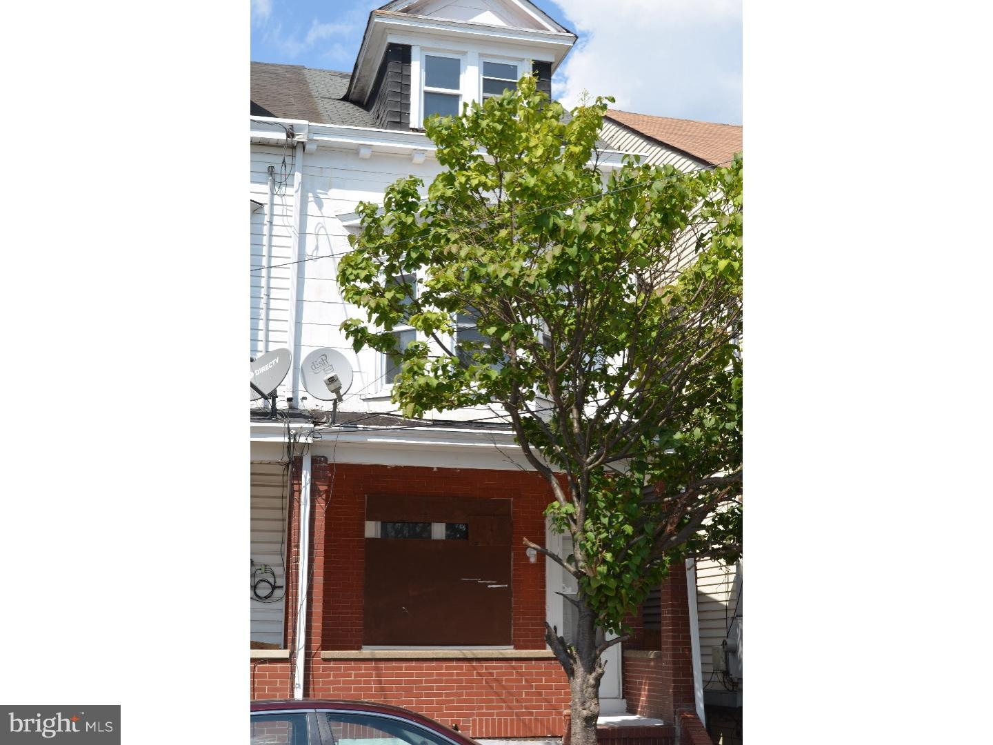 Photo of home for sale at 126 Kent Street, Trenton NJ