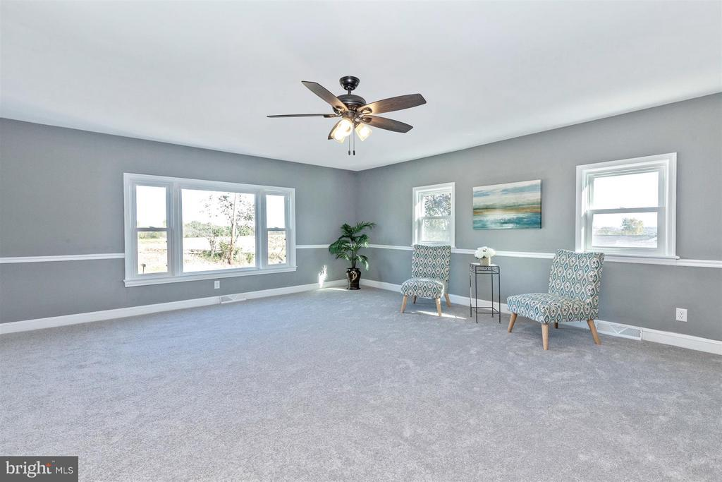 New carpet with upgraded padding! - 10133 ROCKY RIDGE RD, ROCKY RIDGE