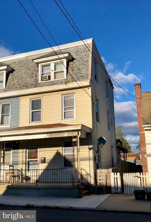 71 S CHARLOTTE STREET, Manheim, Pennsylvania
