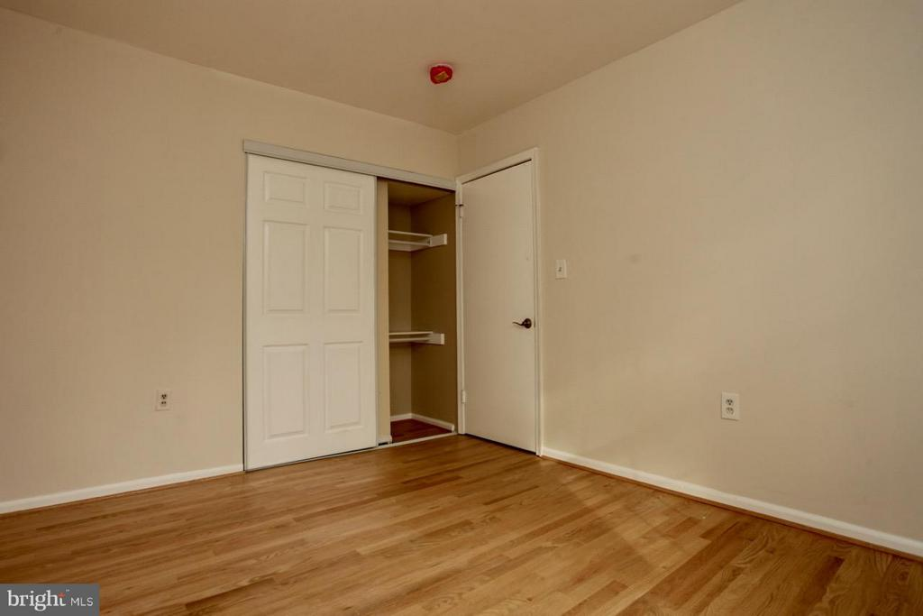 Bedroom - 9835 LAKEPOINTE DR, BURKE
