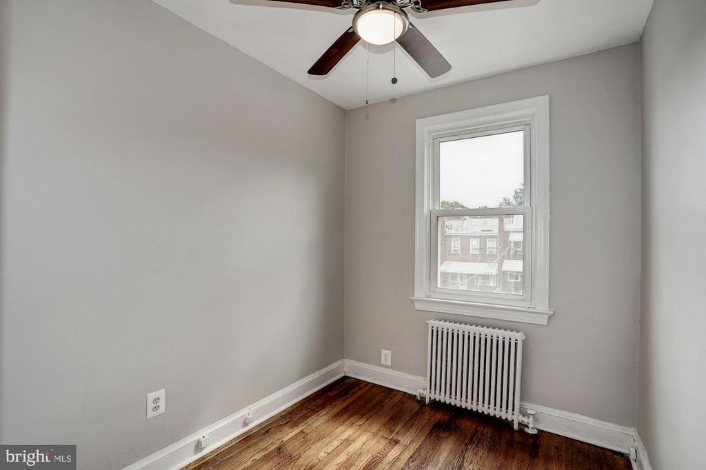 Bedroom 2 - 4935 NEW HAMPSHIRE AVE NW, WASHINGTON
