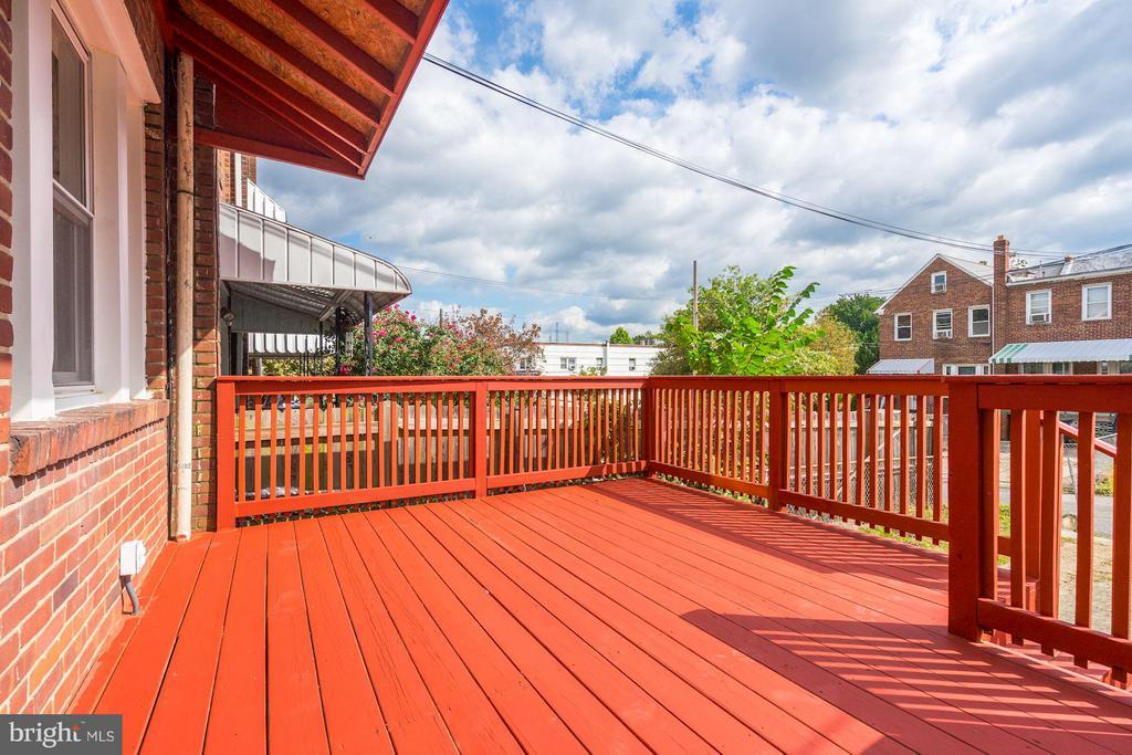 Rear Deck - 4935 NEW HAMPSHIRE AVE NW, WASHINGTON