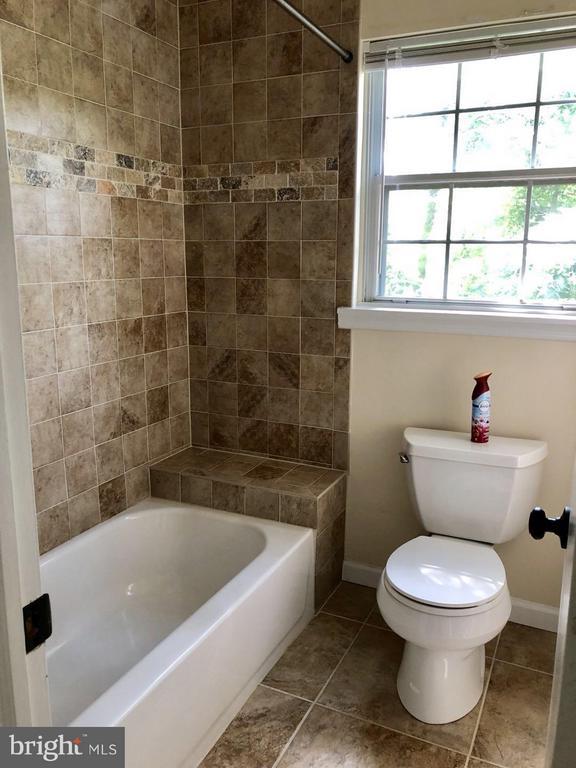 Bath (Master) - 10901 FOX SPARROW CT, FAIRFAX