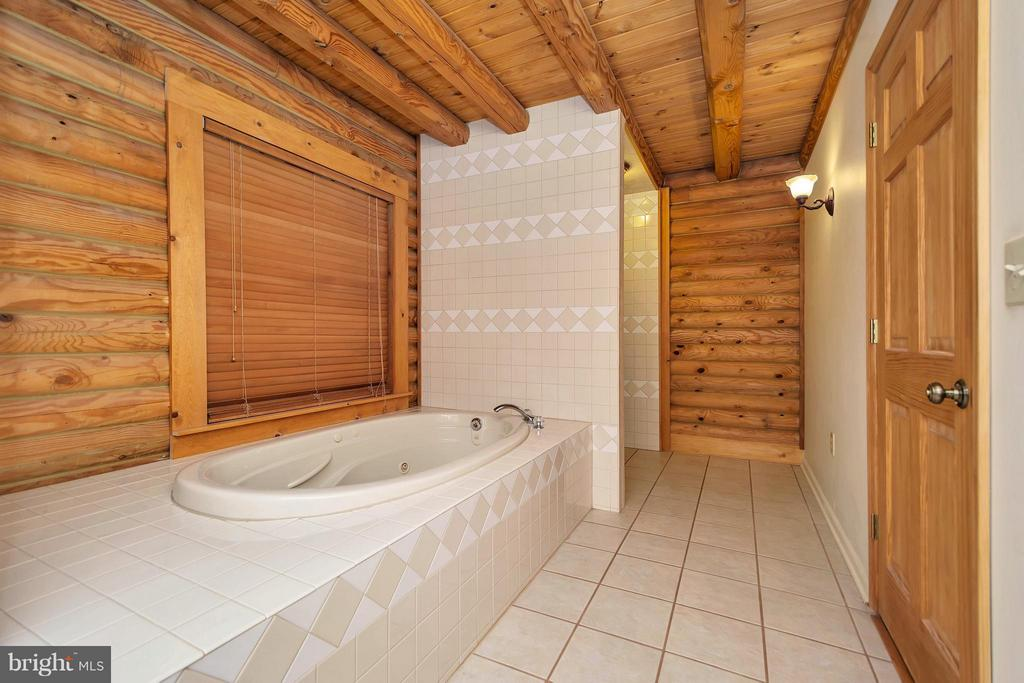 Bath (Master) - 7920 FORKED LN, FREDERICKSBURG