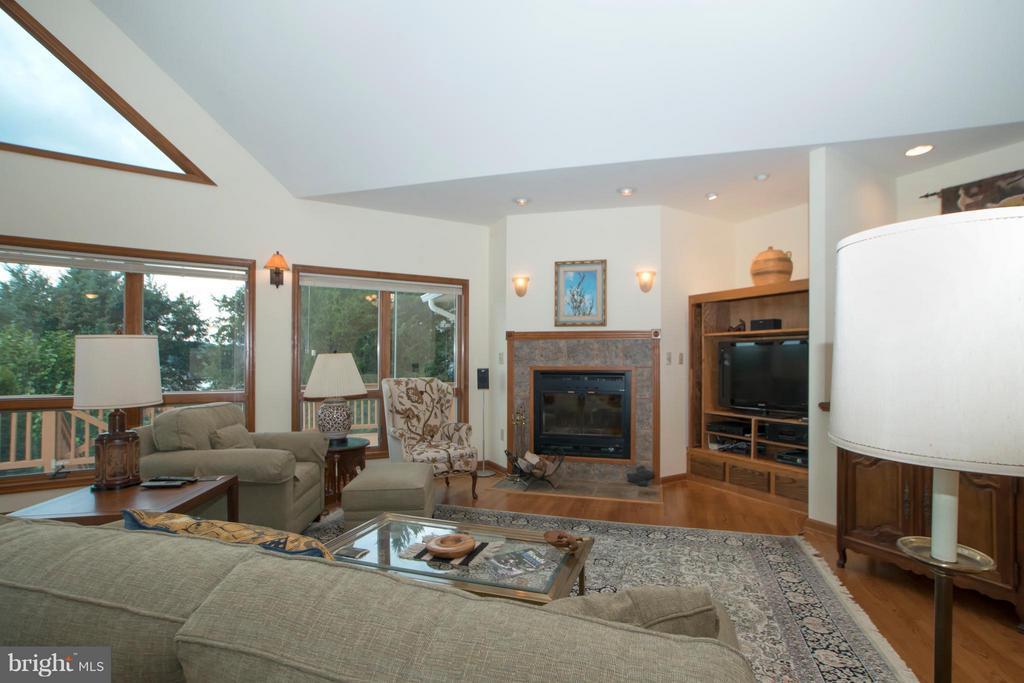 Living Room - 5807 BLUE RIDGE RD, MINERAL