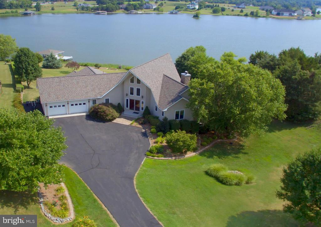 Drone view of house front. - 5807 BLUE RIDGE RD, MINERAL