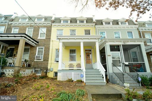 310 TAYLOR ST NW