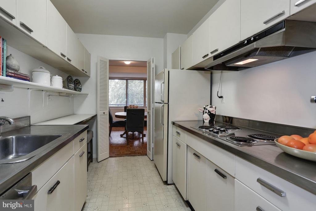 Kitchen - 3900 WATSON PL NW #G1C-B, WASHINGTON