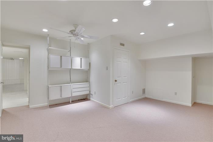 Lower level bonus room/ nanny/ in-law suite - 11208 STEPHALEE LN, ROCKVILLE