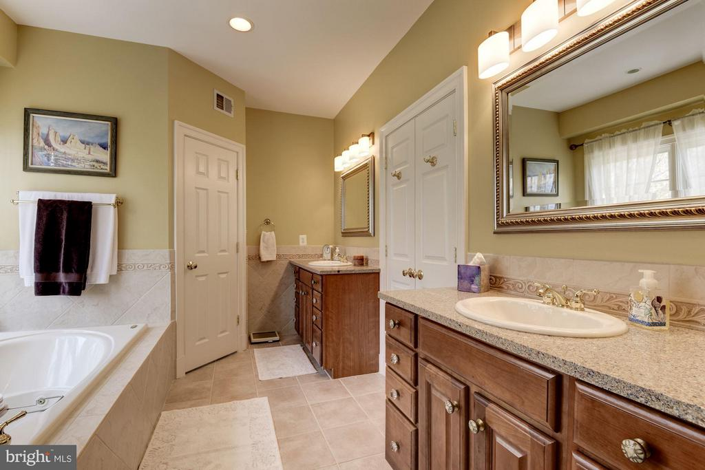 Master Bathroom with Separate Vanities - 11203 GUNSTON RD, LORTON