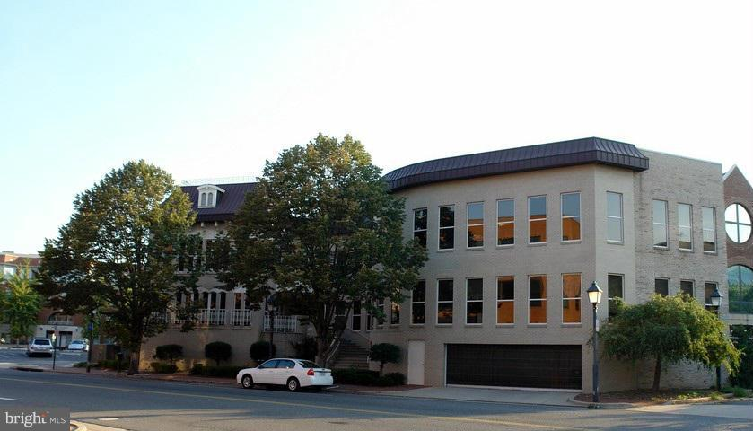 Other Residential for Rent at 200 Daingerfield Rd Alexandria, Virginia 22314 United States