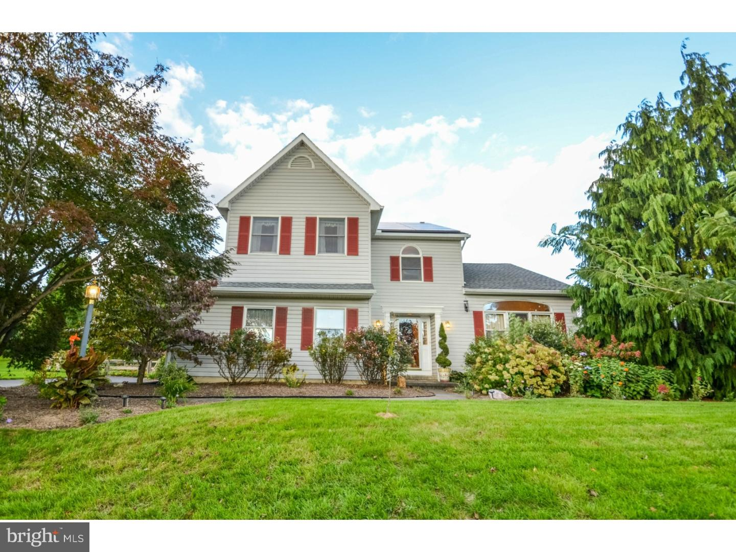 Photo of home for sale at 4231 Lakeside Drive, Coplay PA