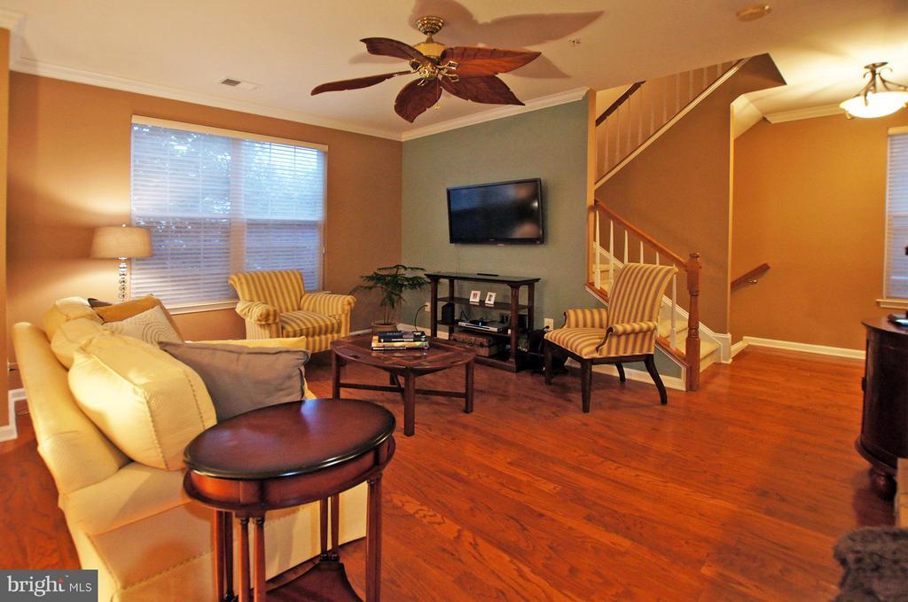 Living Room - 43371 LOCUST DALE TER #118, ASHBURN