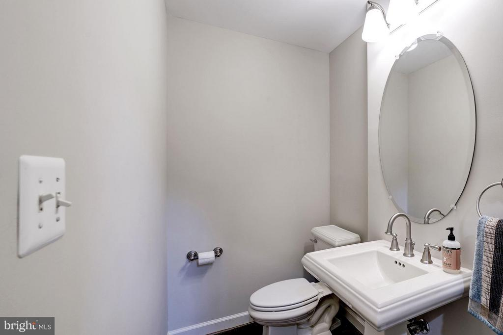 Powder Room - 10096 COVER PL, FAIRFAX