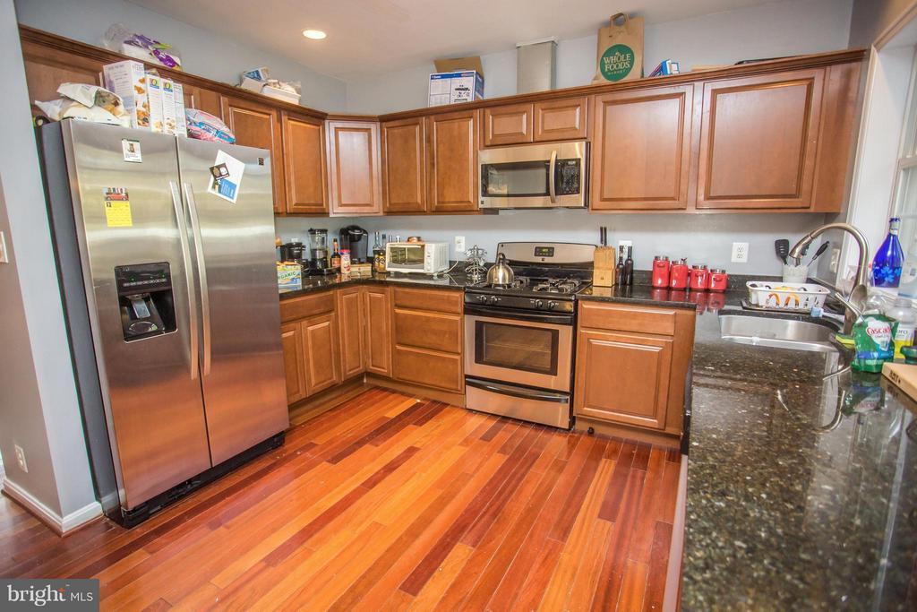 Kitchen - 3862 KOVAL LN, WOODBRIDGE