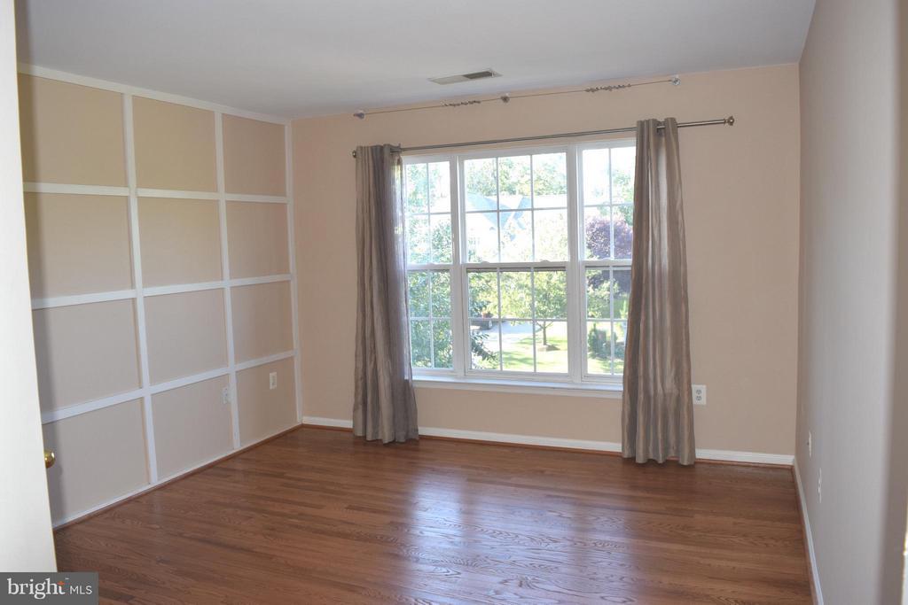 4th Bedroom Upstairs - 25804 SPRING FARM CIR, CHANTILLY