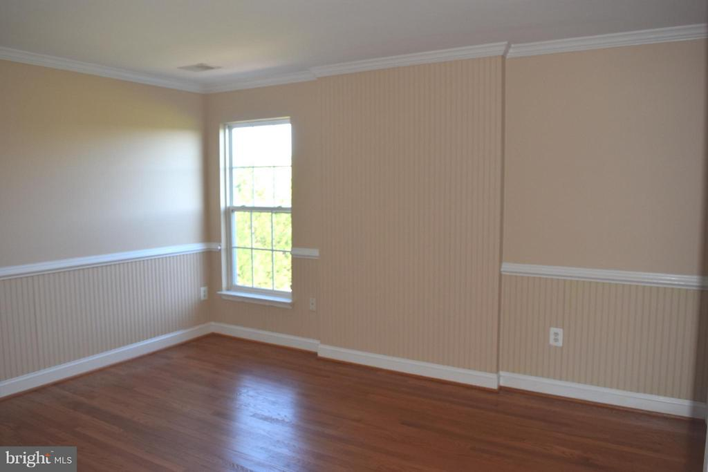 2nd Bedroom Upstairs - 25804 SPRING FARM CIR, CHANTILLY