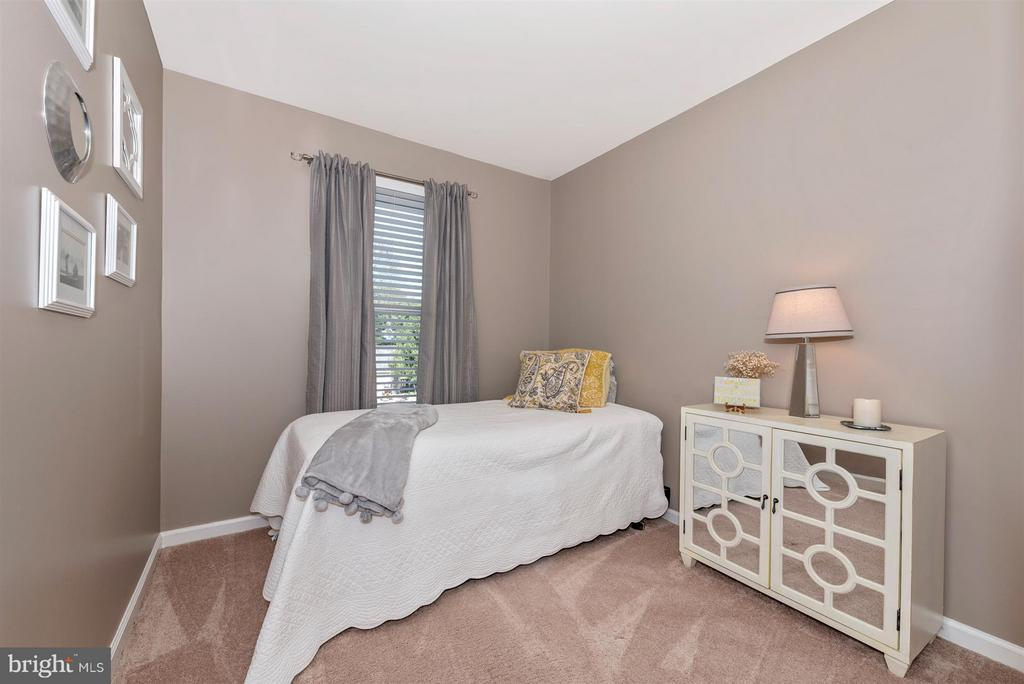 Main level Bedroom 3. - 10801 N GLADE CT, NEW MARKET