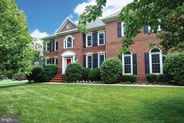 Single Family for Sale at 1209 Tottenham Ct Reston, Virginia 20194 United States