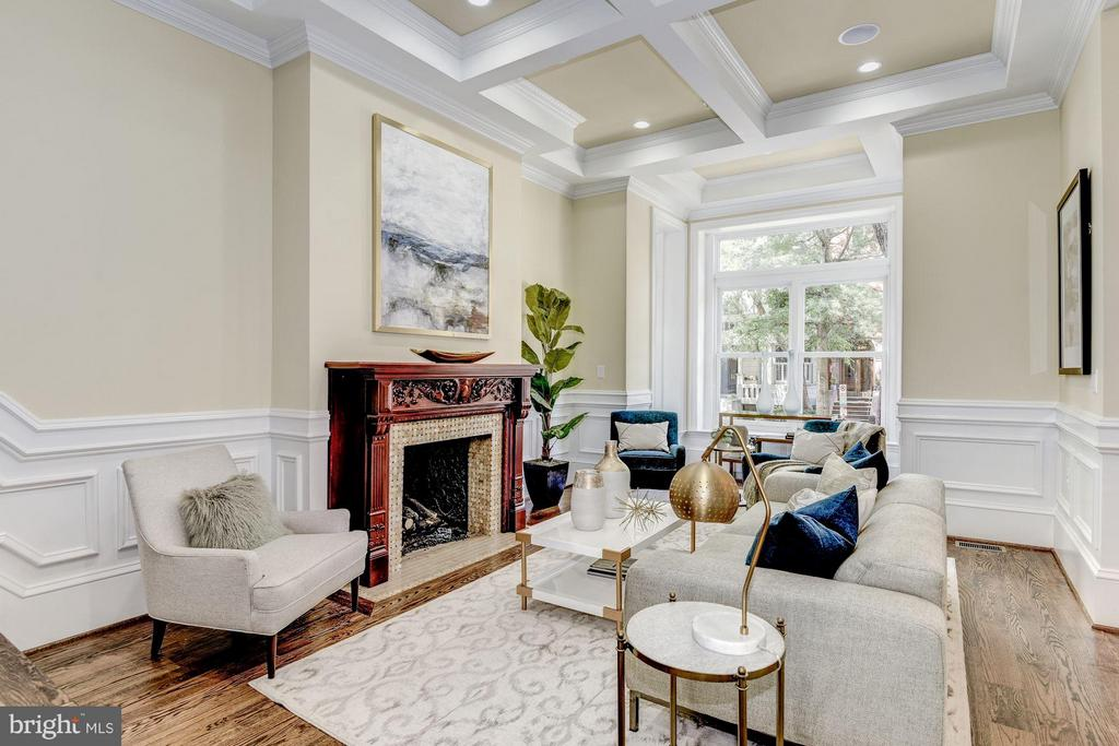Grand living room with coffered ceilings - 1728 P ST NW, WASHINGTON