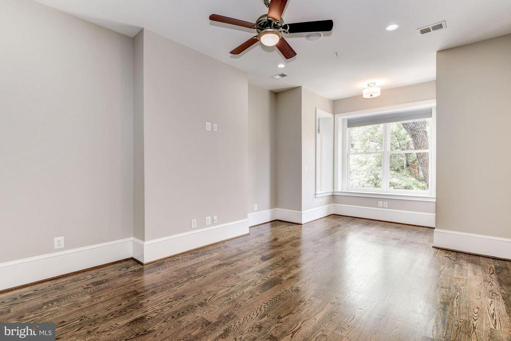 Large spacious bedrrooms - 1728 P ST NW, WASHINGTON