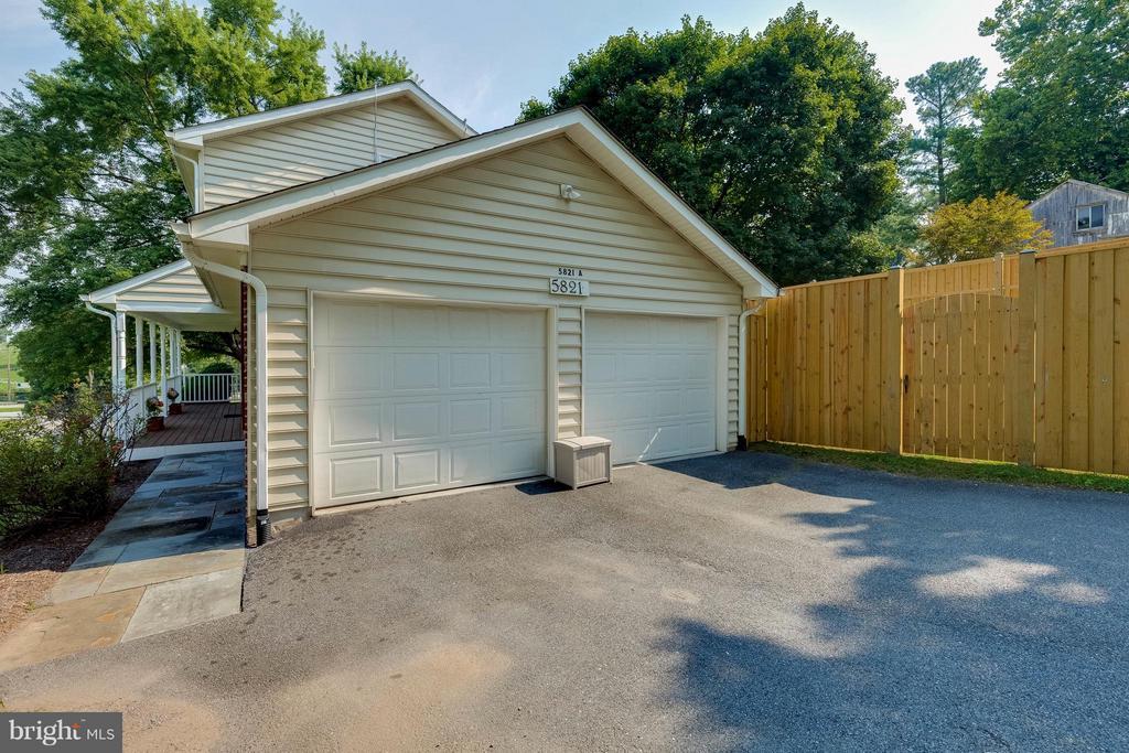 Two car garage - 5821-A BELLS LN, FREDERICK