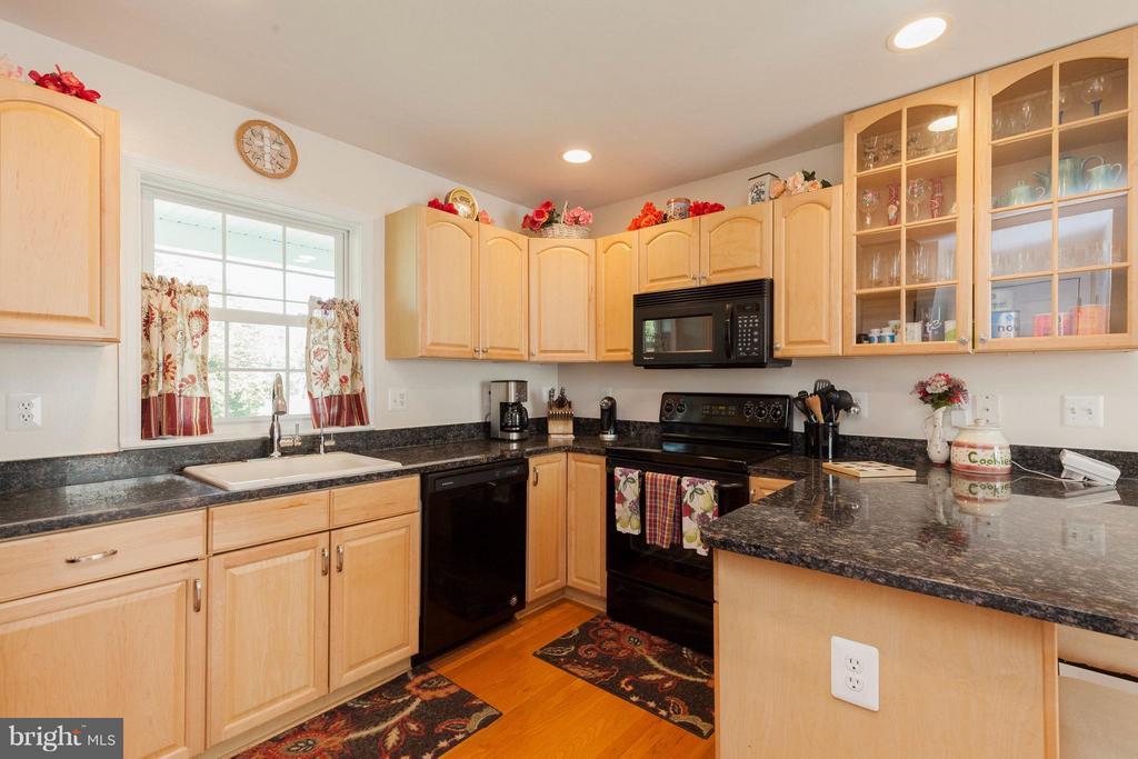 Kitchen - 5821-A BELLS LN, FREDERICK