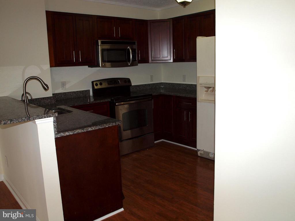 Kitchen - 1325 18TH ST NW #207, WASHINGTON