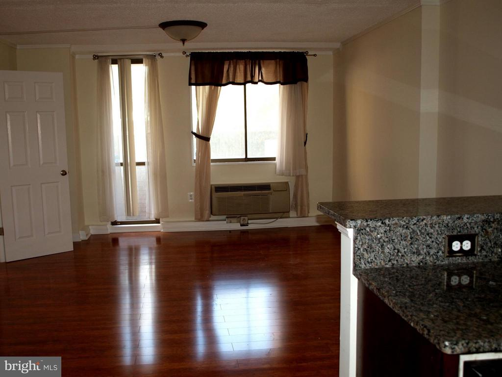 Living Room with gleaming floors - 1325 18TH ST NW #207, WASHINGTON
