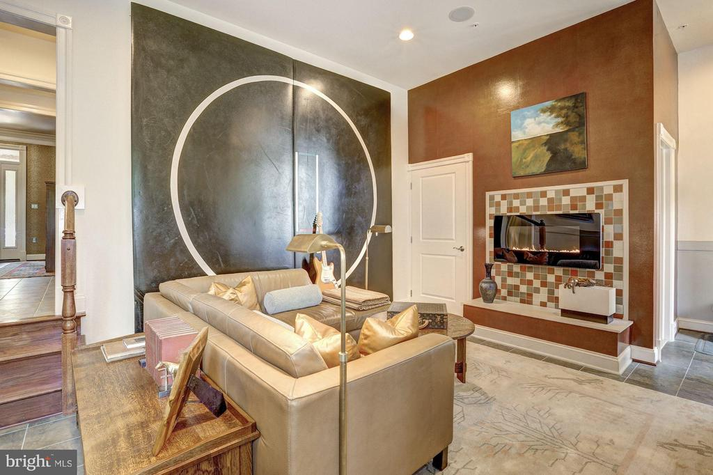 Entry Level - Recreation Room w/ Gas Fireplace - 1403 RIDGEVIEW WAY NW, WASHINGTON