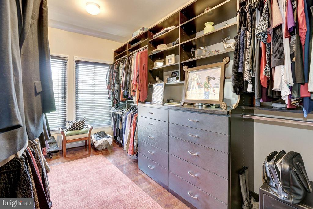 First Upper Level - Master Walk-in Closet - 1403 RIDGEVIEW WAY NW, WASHINGTON