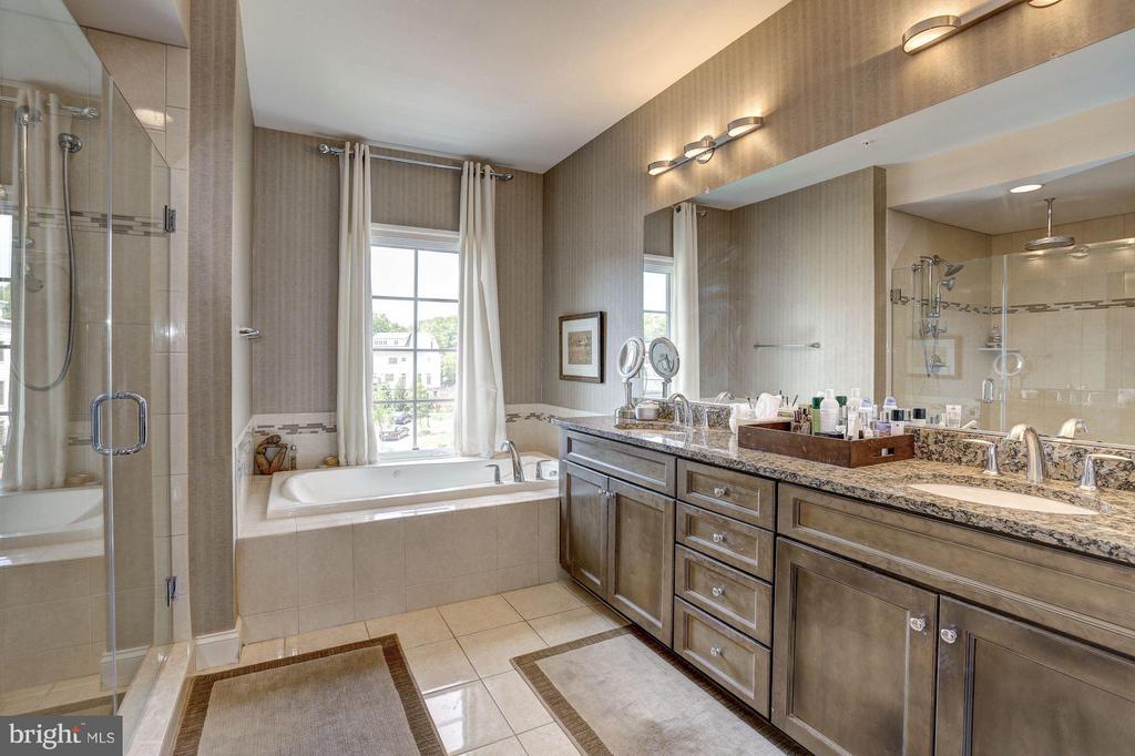 First Upper Level - Master Bath - 1403 RIDGEVIEW WAY NW, WASHINGTON