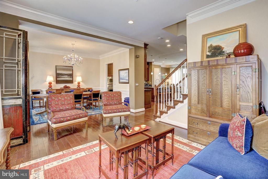 Main Level - Living Room - 1403 RIDGEVIEW WAY NW, WASHINGTON