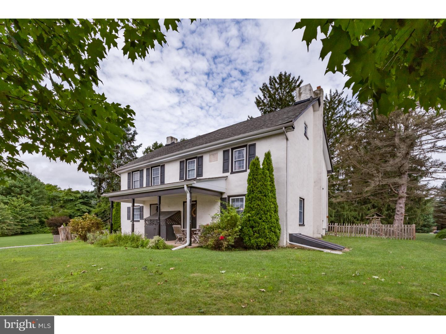 Photo of home for sale at 6 Moorings Road, West Grove PA