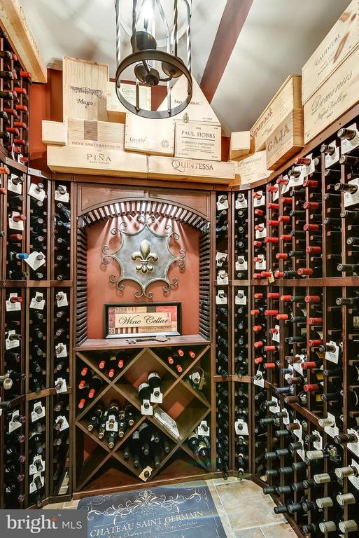 Custom wine storage room - 2326 VERMONT ST N, ARLINGTON