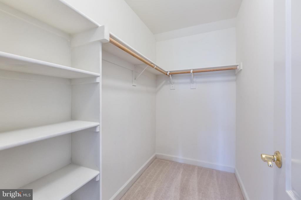 Bedroom - 7447 CARRIAGE HILLS DR, MCLEAN