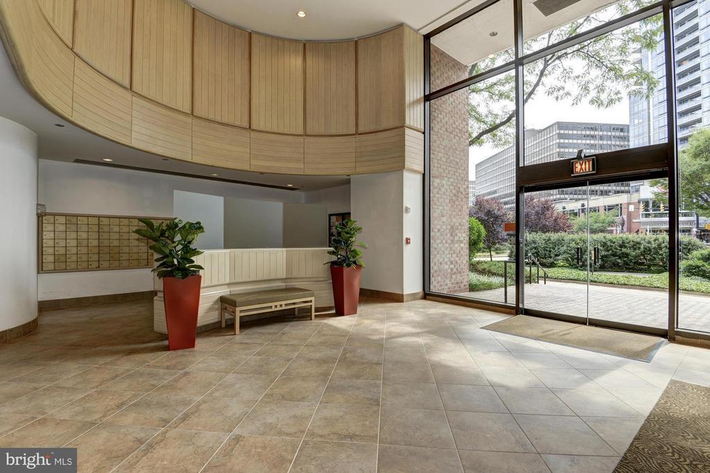 Lobby - 1805 CRYSTAL DR #602S, ARLINGTON