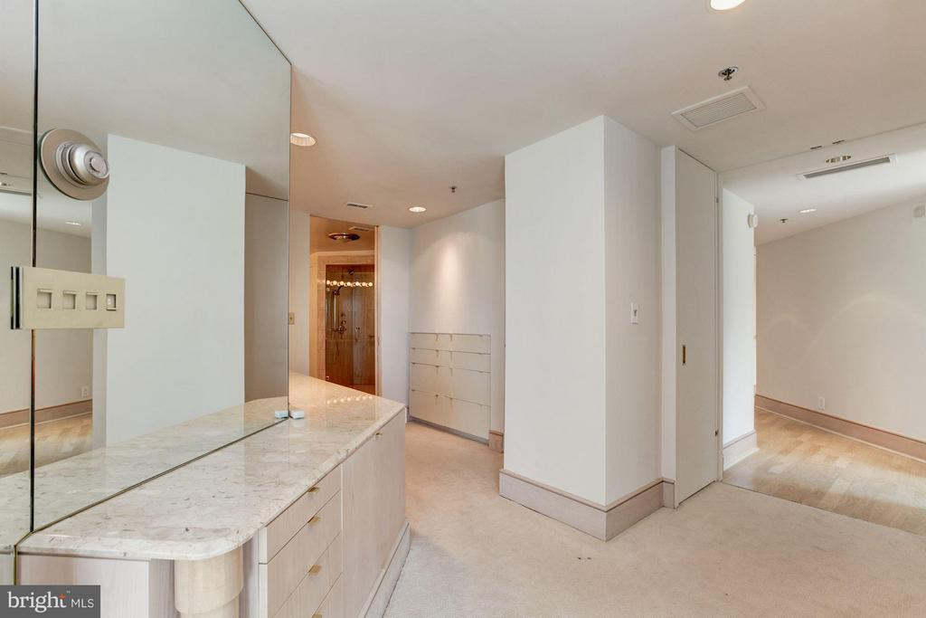 Dressing area ni master bedroom - 5600 WISCONSIN AVE #803, CHEVY CHASE