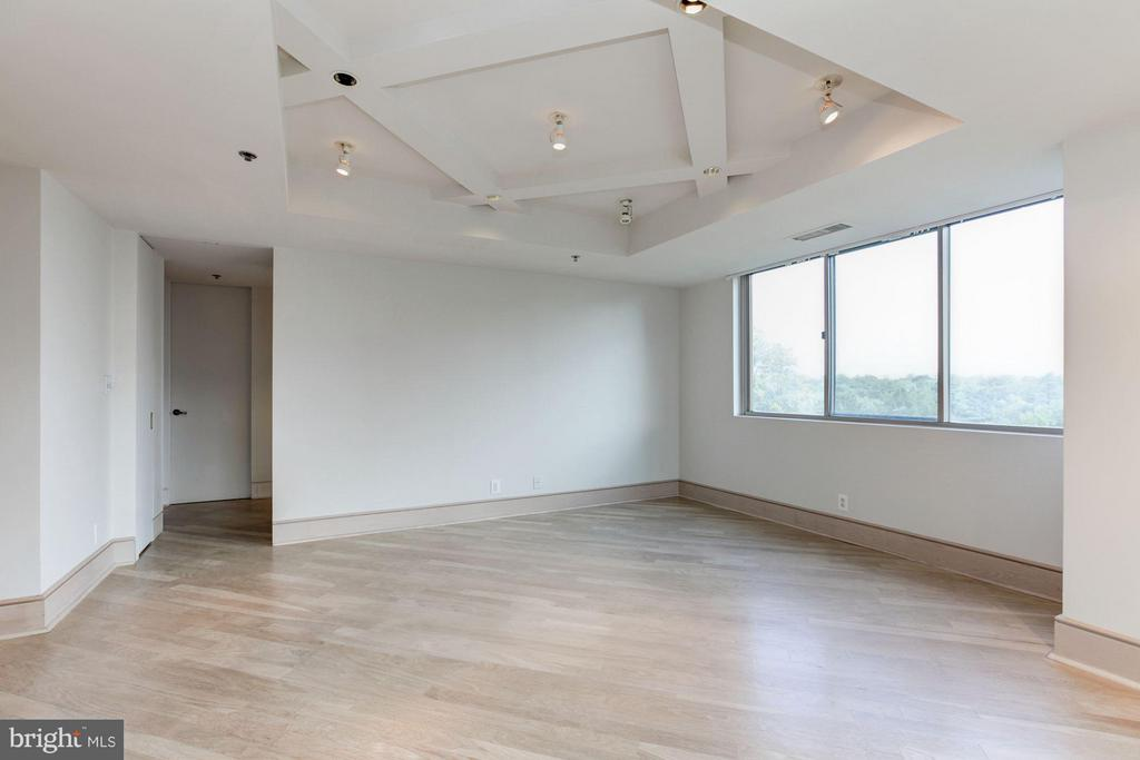 Dining Room with large window - 5600 WISCONSIN AVE #803, CHEVY CHASE