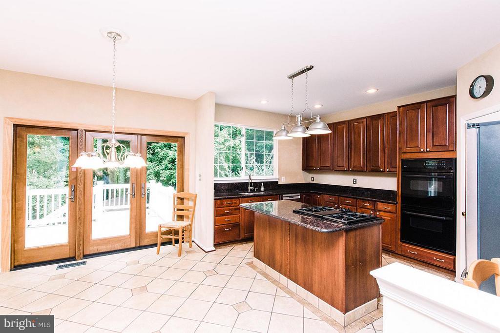 Kitchen - 9202 ZACHARY CT, MANASSAS PARK