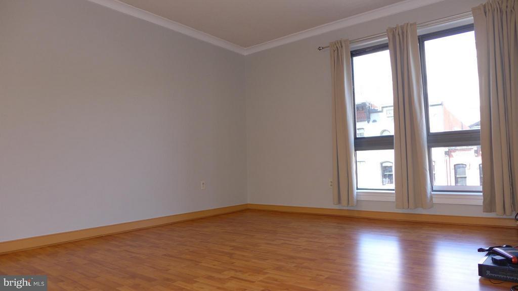 Living Room - 777 7TH ST NW #312, WASHINGTON