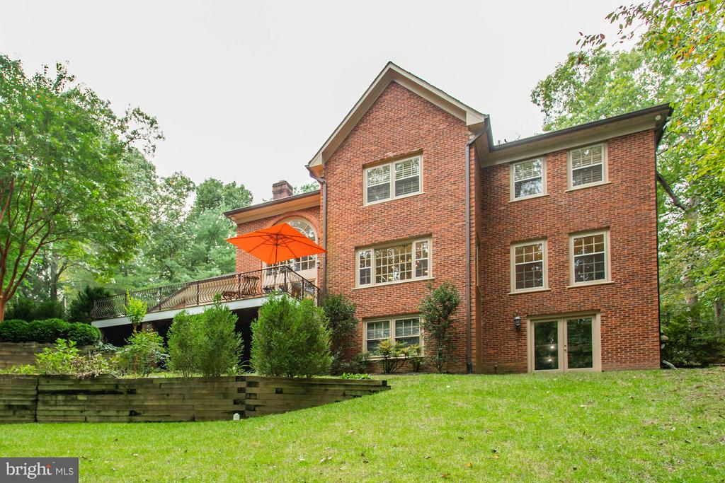 Exterior (Rear) - 8702 OLD DOMINION DR, MCLEAN