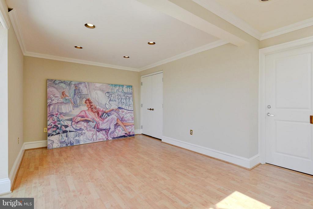 Family Room - 4750 41ST ST NW #502, WASHINGTON