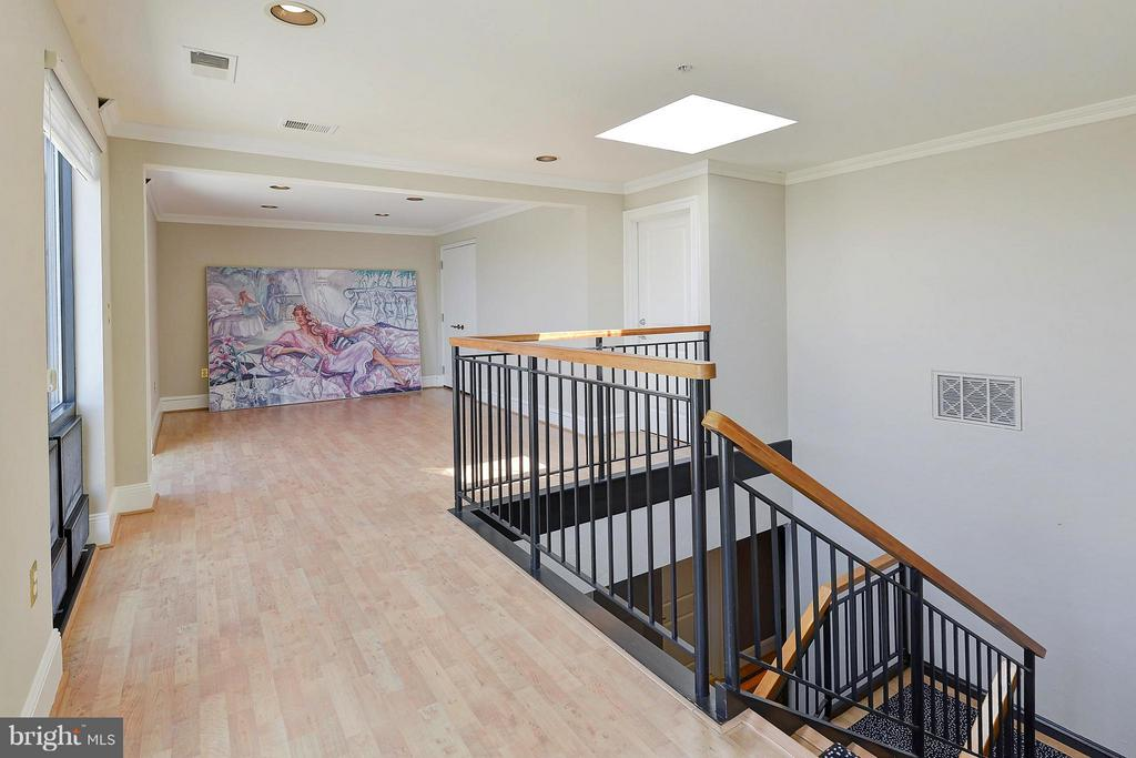 Interior (General) stairway to family room - 4750 41ST ST NW #502, WASHINGTON