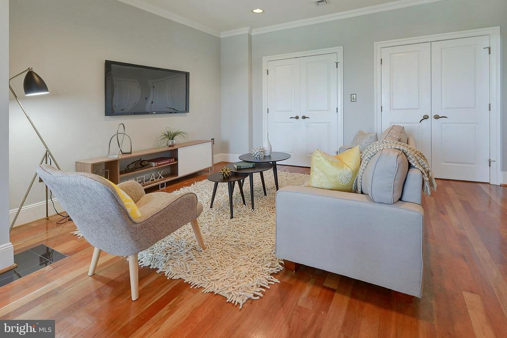 Kitchen sitting area or eat-in option - 4750 41ST ST NW #502, WASHINGTON