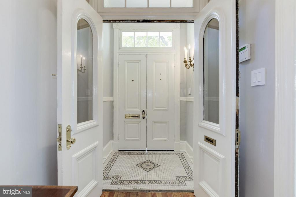 Foyer - 3258 O ST NW, WASHINGTON