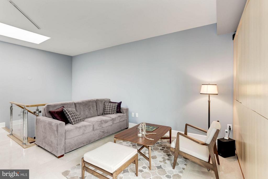 Family Room - 4301 MILITARY RD NW #PH8, WASHINGTON