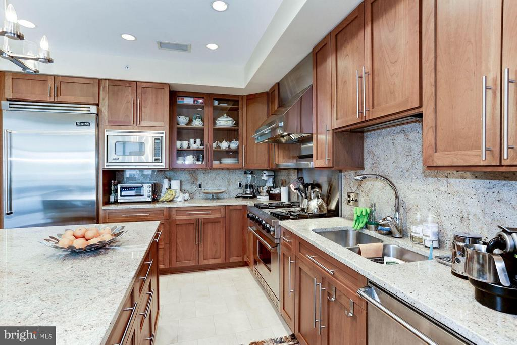 Kitchen - 4301 MILITARY RD NW #PH8, WASHINGTON